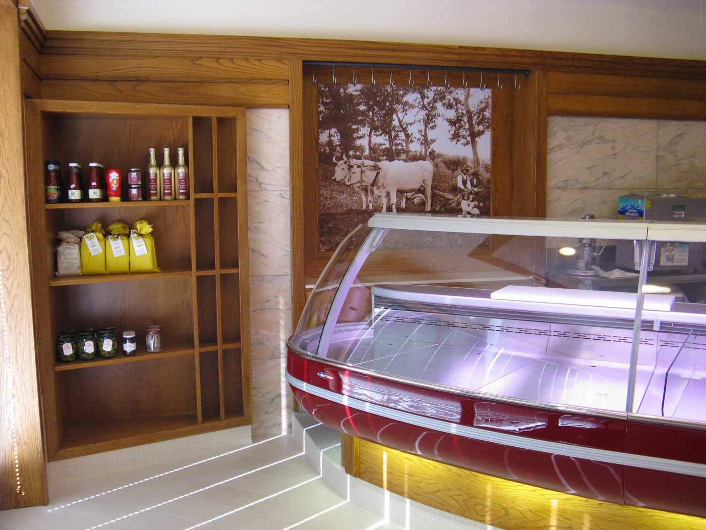 Dutto arredamenti negozi home for Arredamento alimentari usato